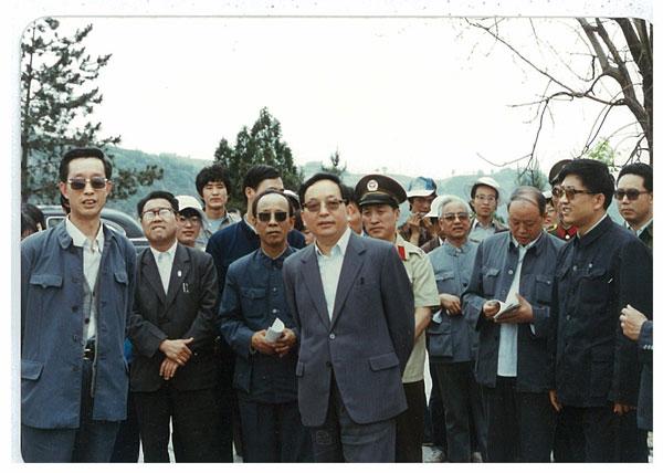 田纪云�ya�_田纪云追悼会 图片合集