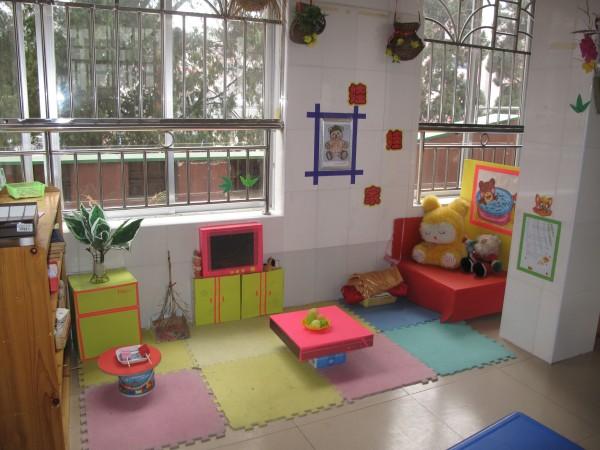 幼儿园美工区布置片图片;