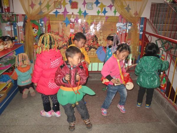 自然环保的吊饰   幼儿园班级各区角