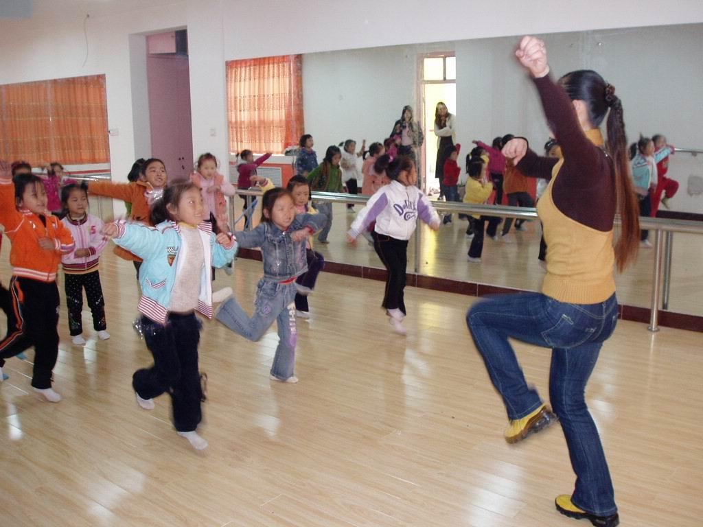 2012幼儿园小班舞蹈