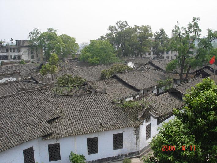少女光露逼囹�a_福源灏民居建于清代嘉庆(1796年)年间,是集衙门的