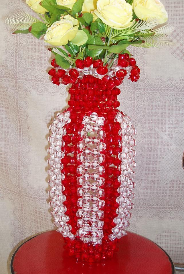 珠珠工艺花瓶 用亚克力珠子手工编制